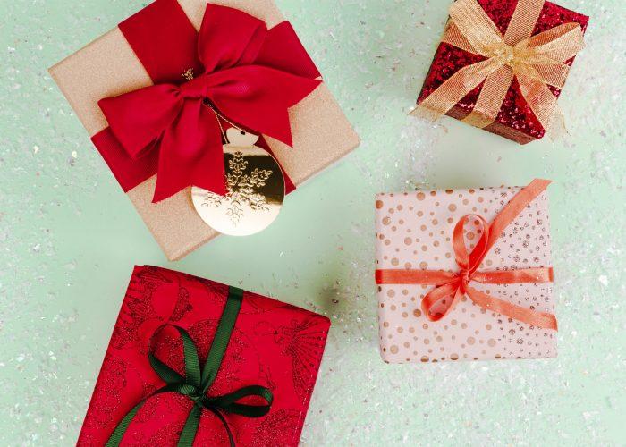 christmas-gift-ideas-D8RGQCE-min-1.jpg